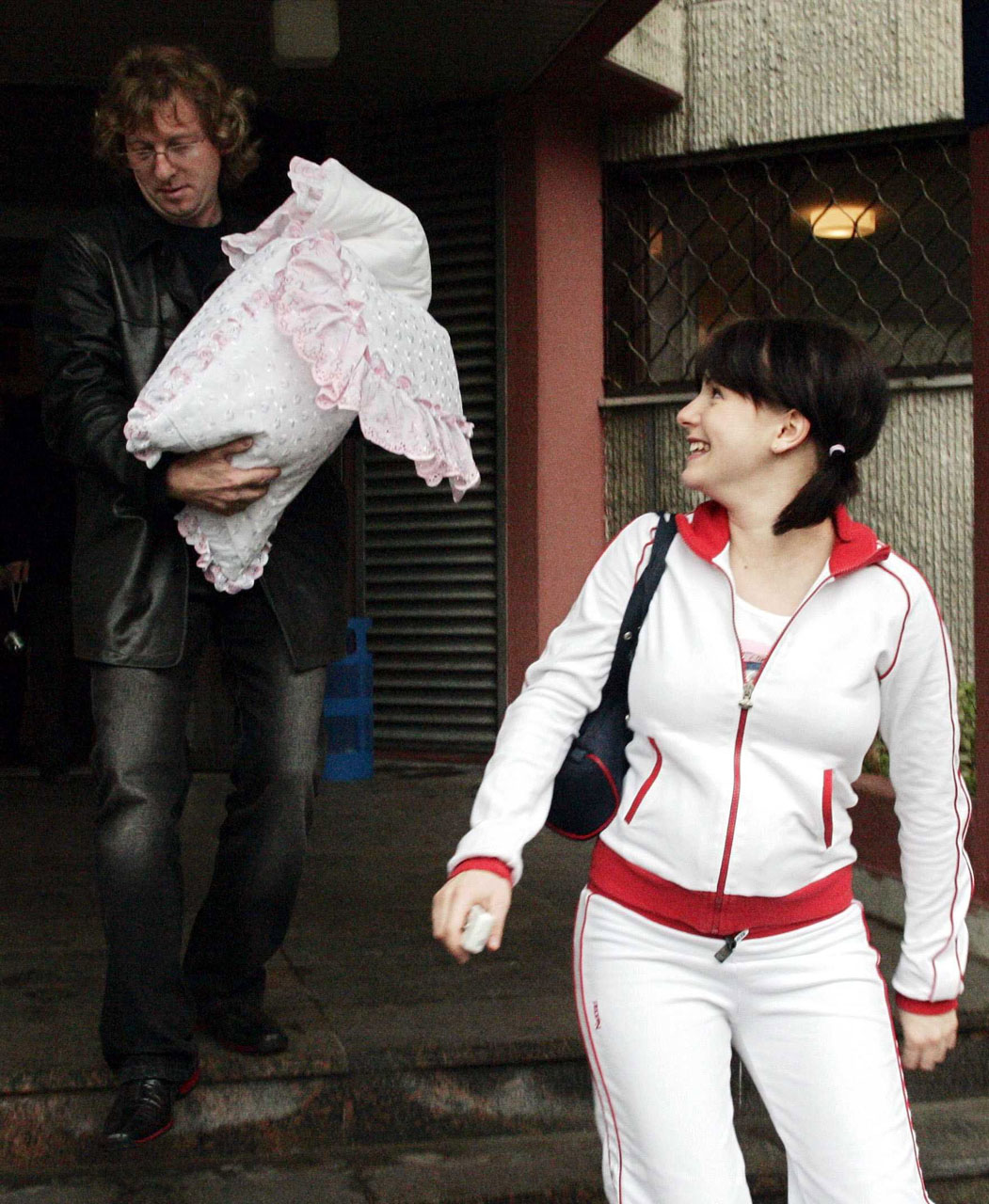 ТАТУ - Yulia Volkova After Giving Birth to a Daughter 27.09.2004
