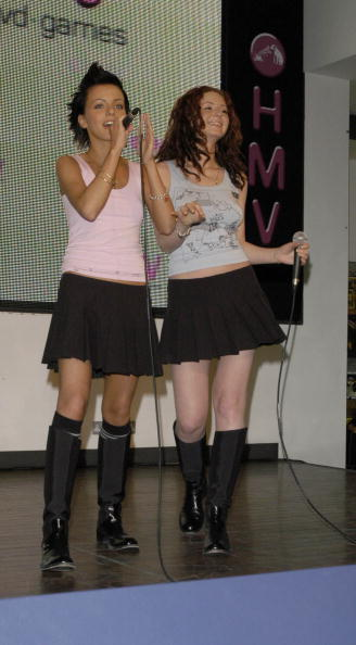 ТАТУ - Tatu Perform at HMV Oxford Street