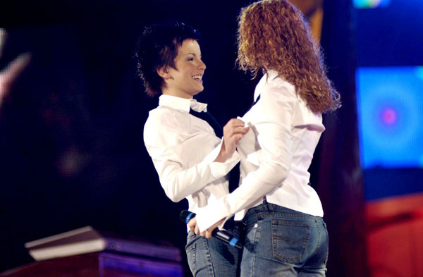 ТАТУ - Tatu Perform at Festivalbar in Italy 09.07.2002