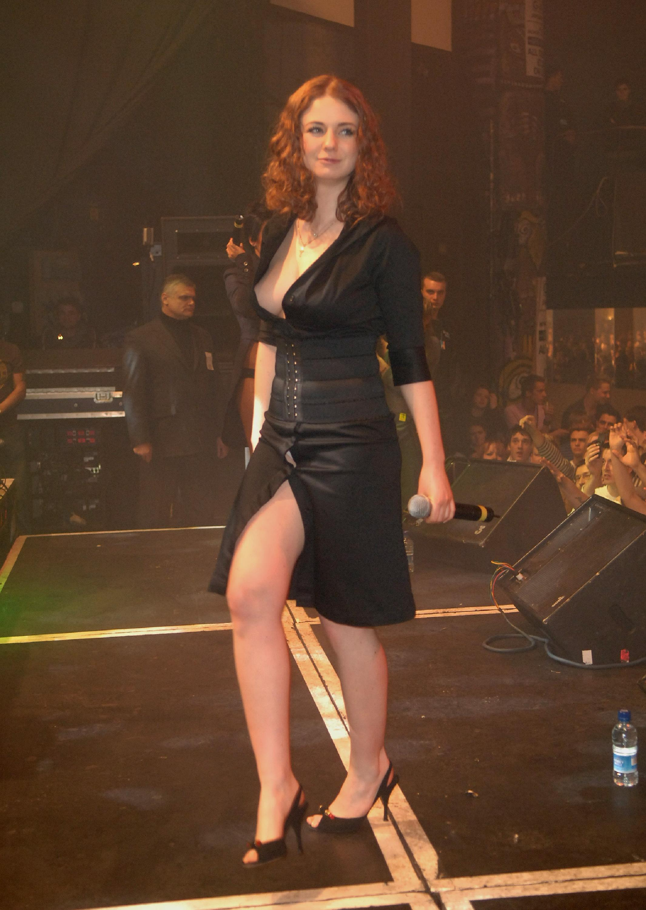ТАТУ - Tatu Perform at G-A-Y in London 28.01.2006