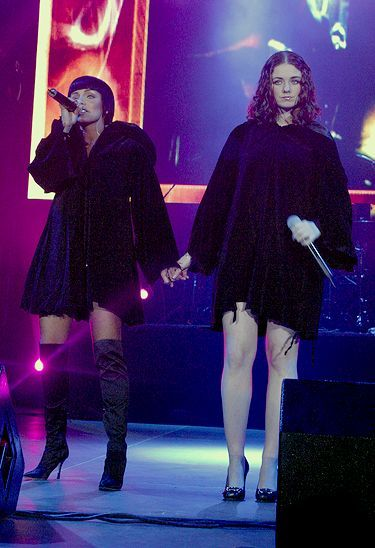 ТАТУ - Tatu Perform in Tallinn 11.04.2006
